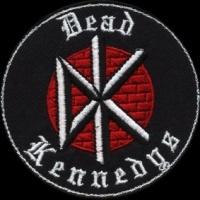 Nášivka DEAD KENNEDYS logo wall vyšívaná