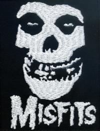Nášivka MISFITS lebka vyšívaná