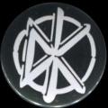 Placka 25 DEAD KENNEDYS logo white