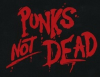 Nášivka PUNK´S NOT DEAD clas red