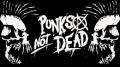 Samolepka PUNK´S NOT DEAD skulls